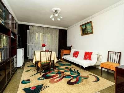 Apartament 3 camere Calea Vacaresti decomandat 79 Mp Bloc 1986