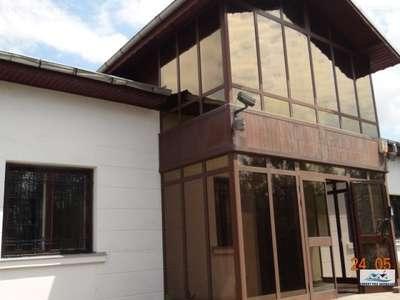 Oras Racari 8 Camere Ideal Camin de Batrani sau Spital-GradinitaTeren 1713mp Deschidere 44ml Constructie 1997