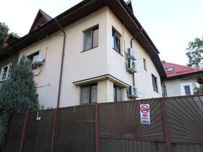 S+P+1E+M Curte 173mp Deschidere 12,82ml 10Camere 4 Bai Constructie 2008