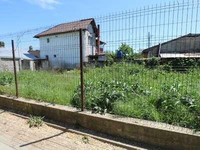 Rosu zona Troita 380mp Deschidere 37ml Toate Facilitatile Pozitie Buna